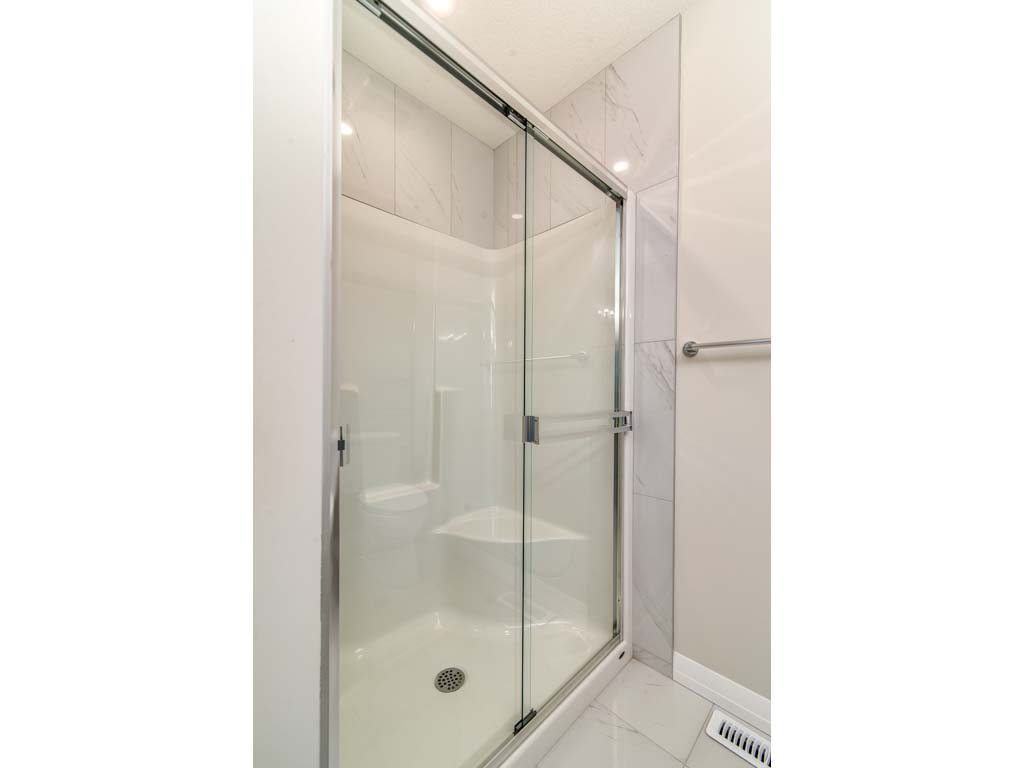Artistique Homes Interior Image - Shower