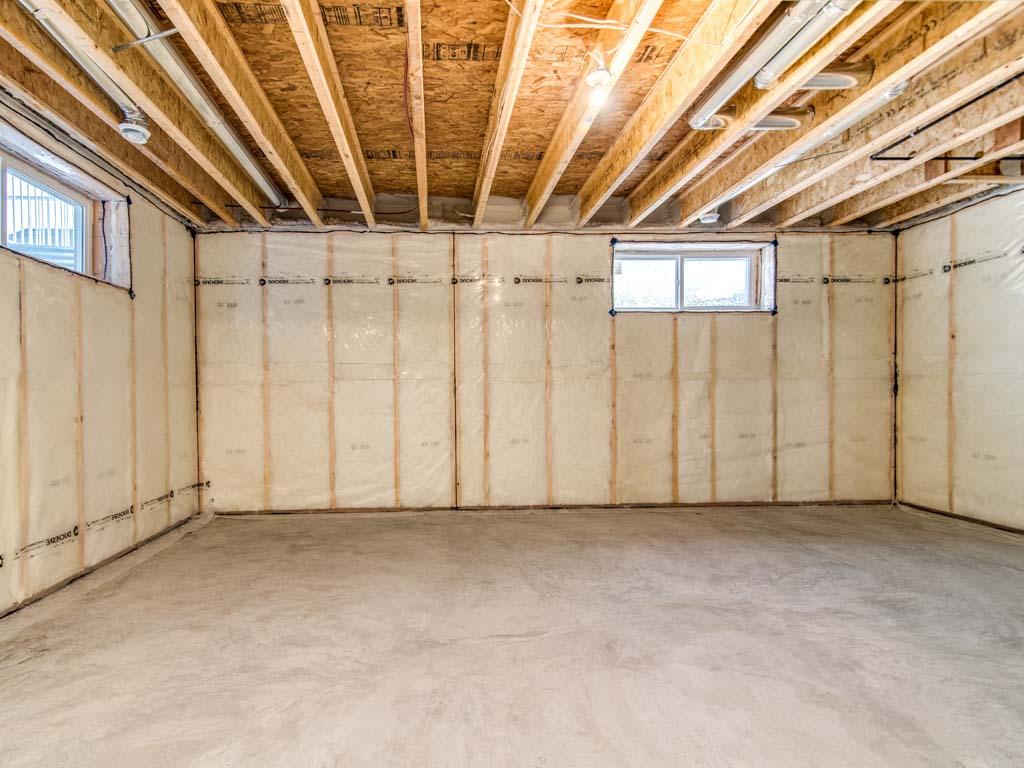 Artistique Homes Interior Image - Garage