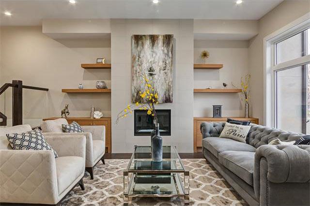 Devine Custom Homes Interior Image - Living Room