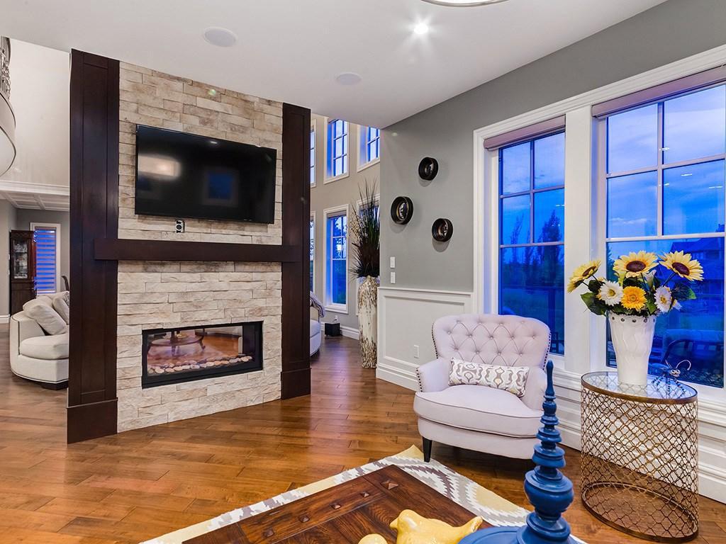 Devine Custom Homes Interior Image - Fireplace