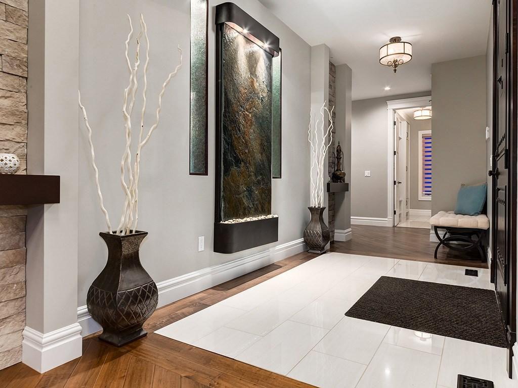 Devine Custom Homes Interior Image - Entranceway