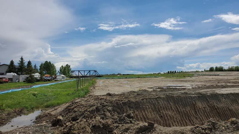 Grating land in Waterford, Alberta
